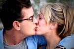 Charlie Sheen verbreekt zijn verloving