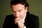 Bono herstelt van ingewikkelde armbreuk