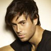 Enrique Iglesias triomphe lors de Grammys Latinos où Obama a été salué sur l'immigration
