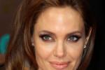 Angelina Jolie projette