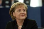 Un mannequin s'en prend à Angela Merkel durant le défilé de Rick Owens