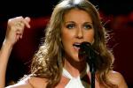 Attentats à Paris - Céline Dion rend hommage aux victimes lors des American Music Awards