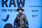 Pharrell Williams koopt zich in in G-Star Raw