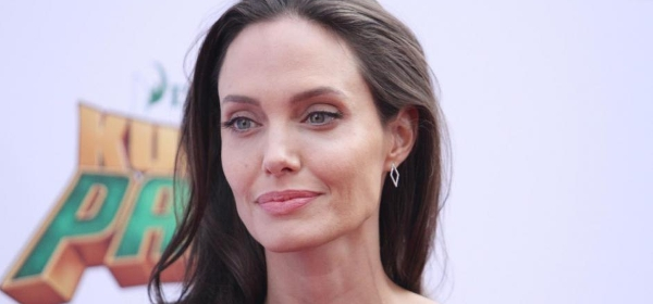 Angelina Jolie geeft gastcollege in London School of Economics