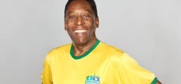 Voetballegende Pelé veilt trofeeën voor het goede doel