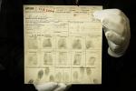 Un document avec les empreintes d'Elvis Presley aux enchères à Montreux