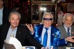 Alain Delon et Bébel réunis pour les 85 ans de Michou et les 60 de son cabaret
