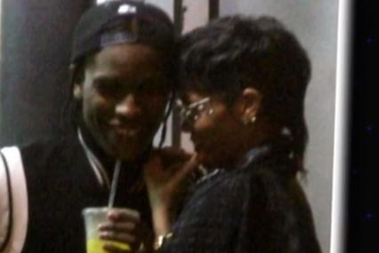 Rihanna en rapper A$AP Rocky erg close op set