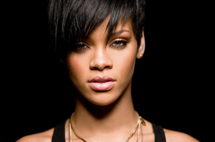 Rihanna donneert 100.000 dollar aan hulp Filipijnen