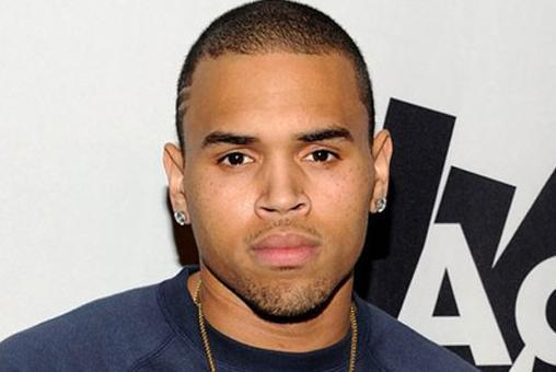 Chris Brown viert verjaardag achter tralies